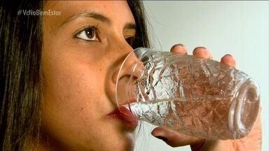 Tempo seco muda a rotina de moradores do interior de SP - Algumas cidades já adotaram o racionamento de água. Moradores estão caprichando na hidratação da pele, corpo e mucosas.