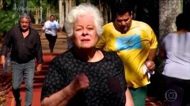 Vovó Angela conta o que mudou na vida após 1 mês e meio de projeto - Angela tem 72 anos e quis encarar o projeto. Todo dia tem treino e ela não faz corpo mole. Com os exercícios físicos, os músculos estão mais fortes.