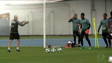 Botafogo treina para enfrentar a Chape e voltar a vencer no Brasileirão - Botafogo treina para enfrentar a Chape e voltar a vencer no Brasileirão