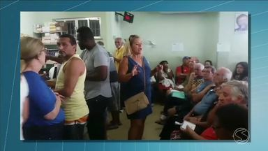 Pacientes reclamam da demora no atendimento na Farmácia Popular de Volta Redonda, RJ - Dificuldade com senhas e horas aguardando na fila tem gerado insatisfação.
