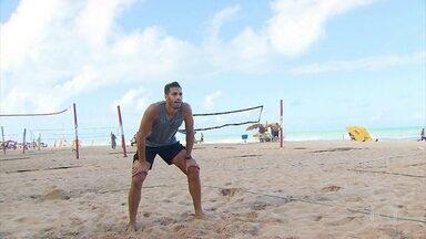 Jogador de vôlei pernambucano João Rafael tira férias da Superliga no Recife - Jogador de vôlei pernambucano João Rafael tira férias da Superliga no Recife