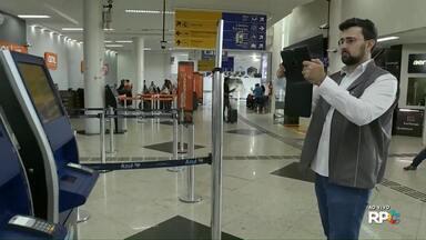 Equipes do Procon e OAB fazem blitz de orientação sobre bagagens no aeroporto de Maringá - Por enquanto o trabalho é apenas de orientação.