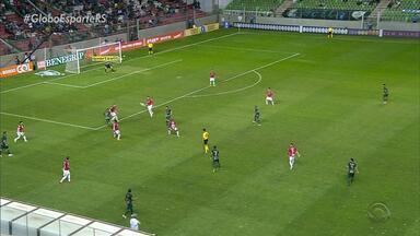 Em jogo com polêmicas de arbitragem, Inter perde por 2 a 0 para o América-MG - O colorado não perdia há 10 partidas.