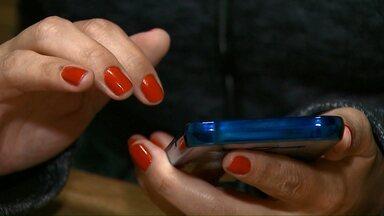 Quem paga contas e faz compras pelo celular deve redobrar a atenção - Bandidos tem usado a tecnologia para praticar roubos.