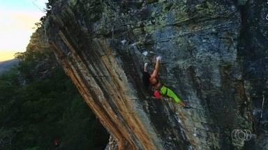 """""""Aventura GE"""" escala paredão de 45 metros em Pirenópolis - Morro do Macaco é o cenário do novo episódio do quadro"""