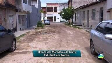 Moradores do Bairro Industrial reclamam da infraestrutura do local - Entre as reclamações está a falta de drenagem nas ruas, que dificulta o escoamento de água.