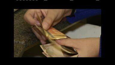 Pagamento do 13° salário dos servidores municipais deve movimentar comércio em Ipatinga - Prefeitura pagou total de R$ 10 milhões com folha dos servidores.