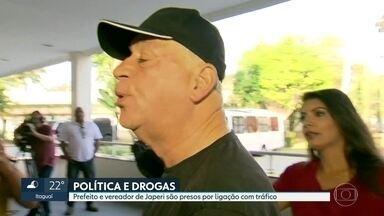 Prefeito de Japeri é preso por envolvimento com o tráfico de drogas - A operação também prendeu o vereador Cláudio José da Silva. O presidente da Câmara Municipal, Wesley de Oliveira, o Miga, está foragido.