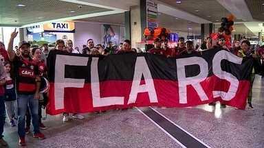 Fla é recebido com festa em Porto Alegre - Time enfrenta o Grêmio, amanhã, pela Copa do Brasil