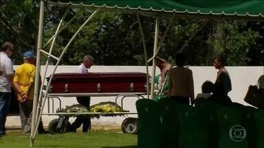 Enterrado na região metropolitana do Recife corpo da brasileira morta na Nicarágua - Raynéia Lima, de 30 anos, foi metralhada no dia 23 de julho em Manágua.