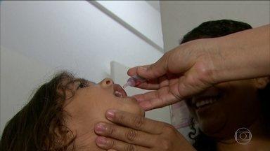 11 milhões de crianças devem ser vacinadas contra pólio e sarampo - Devem ser vacinadas crianças de 1 ano a 5 anos incompletos. Brasil está abaixo da meta de imunização.