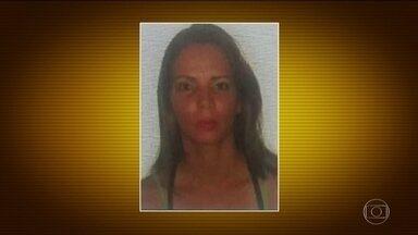 Marido é suspeito de jogar esposa pela janela em Brasília - Vizinhos relataram terem ouvido barulho de briga. Carla Graziele tinha 37 anos, ela caiu de costas no gramado do prédio, chegou a ser socorrida, mas morreu. O marido é o suspeito de ter cometido o crime.