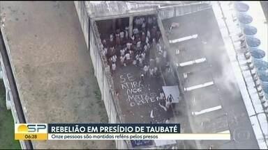 Onze pessoas são mantidas reféns em rebelião em presídio de Taubaté - Revolta dos presos do Centro de Detenção Provisória começou na tarde desta quarta-feira (08), No início eram 14 reféns, mas 3 foram soltos durante a noite.