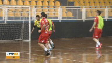 Equipe de futsal Araraquara se destaca com entrosamento dentro e fora das quadras - Time passa por bom momento na Liga Paulista.