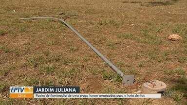 Vândalos derrubam postes em praça no Jardim Juliana em Ribeirão Preto - Moradores cobram reposição da fiação elétrica na Rua Miguel Lopes da Silva.
