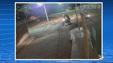 Bandido rouba motocicleta de mototaxista em Caruaru - Caso aconteceu na Vila Kennedy na quinta-feira (9).