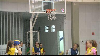 Time paraibano de Basquete se prepara para a regional dos Jogos Escolares - Meninas das Lourdinas vão representar a Paraíba na etapa Nordeste dos Jogos.