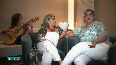 Atrizes recitam poesias de Cora Coralina e Adélia Prado em sarau - Três pessoas estavam se afogando em um local considerado perigoso.