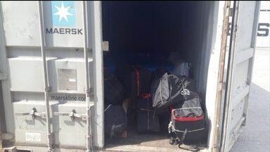 Traficantes usam novas estratégias para driblar a fiscalização - As quadrilhas têm usado mais mulheres para levar as encomendas e escondido as drogas em cargas aéreas e até contêineres.
