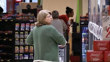 Quatro redes de supermercados conseguem liminar para continuar abertos aos domingos - Uma lei municipal entra em vigor neste fim de semana em Maringá
