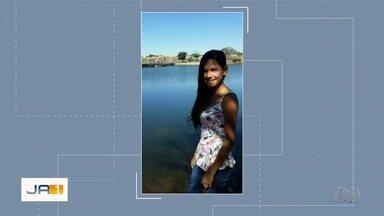 Jovem confessa que matou adolescente de 17 anos com facada no pescoço, em Goiatuba - Ela alegou que cometeu o crime por ciúmes do ex, que atualmente namorava com a vítima.