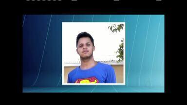 Bombeiros resgatam corpo de terceiro jovem que se afogou no Rio Doce, em Aimorés - Corpo de Rafael de Souza Machado, de 23 anos, foi encontrado a cerca de dois quilômetros de distância do ponto onde desapareceu; ele e outros dois amigos se afogaram no dia 12.