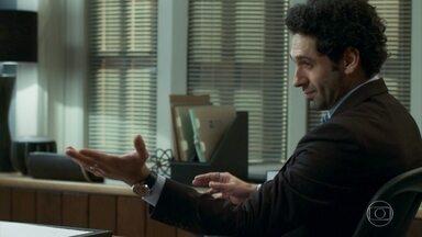 Emílio afirma que enganará Samuca e Dom Sabino - Mariacarla acha que Samuca vai descobrir seu plano