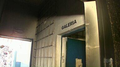 26 presos continuam foragidos depois da rebelião em Ibaiti - Rebelião durou 12 horas, cerca de 30 presos foram transferidos.