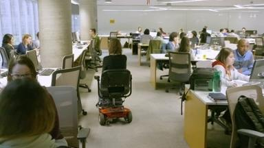 Hoje é dia de estagiário: um lugar para todos - Alexandre Henderson mostra os desafios da inclusão para estagiários com deficiência.