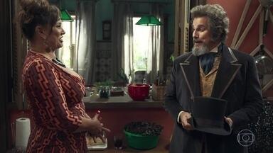 Coronela se impressiona com as posses de Dom Sabino - A Dona da Pensão do Largo recepciona o empresário