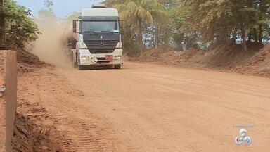 A situação da estrada do belmont que há anos prejudica a vida dos moradores - Mais uma vez, a nossa equipe voltou na estrada, após receber a reclamação dos moradores que não suportam mais tanto descaso.