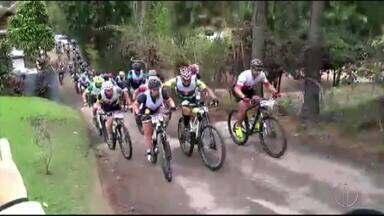Prova de ciclismo é realizada em Nova Friburgo, no RJ - Assista a seguir.