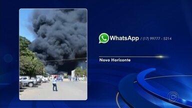 Incêndio atinge almoxarifado de usina em Novo Horizonte - Um incêndio destruiu o almoxarifado de uma usina em Novo Horizonte (SP) na manhã desta segunda-feira (20), segundo informações do Corpo de Bombeiros. Moradores da cidade mandaram vídeos e fotos para a TV TEM.