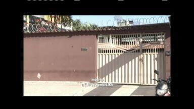 Criminosos invadem casa e amarram moradores em Ipatinga - Três homens armados renderem as vítimas no Bairro Caravelas; ele fugiram com o carro da família e ainda não foram presos.