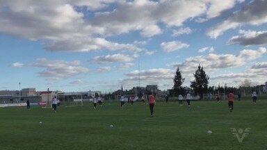 Santos chega à Argentina para partida pela Libertadores - Peixe encara o Independiente-ARG nesta terça-feira (21), às 21h45 (de Brasília), em Avellaneda, pela partida de ida das oitavas de final da Libertadores da América.