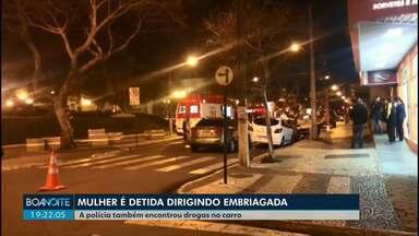 Mulher é presa depois de causar acidente em Guarapuava - Ela foi flagrada dirigindo depois de beber.