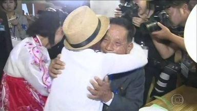 Coreias promovem encontro de famílias separadas - Parentes foram separados há quase sete décadas.