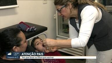 A IMPORTÂNCIA DE VACINAR CONTRA PÓLIO E SARAMPO. ADULTOS TAMBÉM TÊM QUE SE IMUNIZAR. - Desde o começo da campanha no estado de SP, há dua semanas, só 57,5% das crianças foram vacinadas.