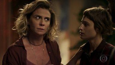 Luzia confirma a Manu e Ícaro que está sendo chantageada por Remy, mas pede segredo - Ícaro fica furioso e ameaça agredir o malandro