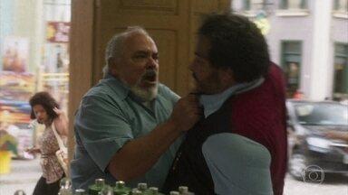 Agenor provoca Clóvis ao maldizer Naná - Nestor defende o rapaz. Naná aproveita a disputa entre Dodô e Nestor por sua companhia