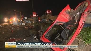 Engavetamento com três caminhões para a Rodovia Anhanguera, em Limeira - Os três condutores se machucaram, um deles com mais gravidade.