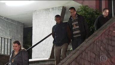 Polícia prende suspeito de matar estudante em tentativa de assalto - Jovem foi morto ao se recusar a entregar o celular. A polícia ainda procura o outro suspeito.