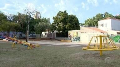 Problema de abandono de praça em Presidente Prudente é resolvido - Moradores reclamavam da situação na Vila Dubus.