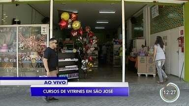 Em São José tem aula de graça para aprender a montar uma vitrine - A primeira impressão é a que fica.