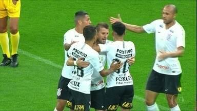 Corinthians interrompe jejum de vitórias no Brasileiro - Corinthians interrompe jejum de vitórias no Brasileiro