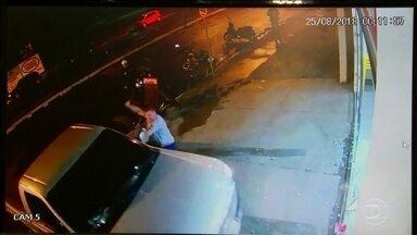 Polícia procura homem que atropelou comerciante de propósito, em Buritama - O delegado pediu a prisão temporária de Isac Alexandre Gaspar Pinto, de 43 anos.