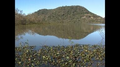 Fiscalização da qualidade da água deve ser intensificada em Santa Maria, RS - A poluição na água da barragem do DNOS foi destacada pelos profissionais do Ministério da Saúde e por isso a fiscalização na barragem também deverá ser intensificada.