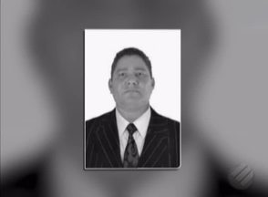 É enterrado corpo de suplente de vereador assassinado em Parauapebas, no Pará - Avelino Costa, 47, foi morto por dois homens em um balneário.