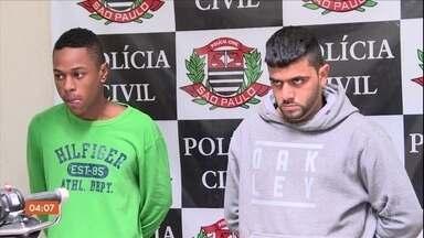 Polícia de SP prende quadrilha especializada em roubo de motos - Segundo as investigações, os ladroes atacavam os motociclistas durante os fins de semana.