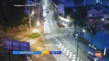 Rua Coronel Vidal Ramos, em Blumenau, terá trânsito alterado para obras - Rua Coronel Vidal Ramos, em Blumenau, terá trânsito alterado para obras